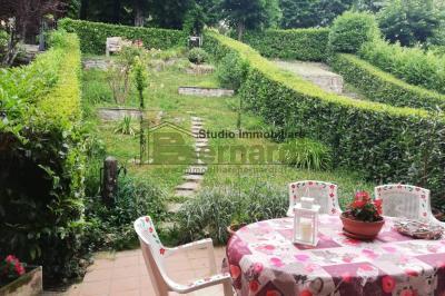 AP445 - Ampio appartamento con giardino